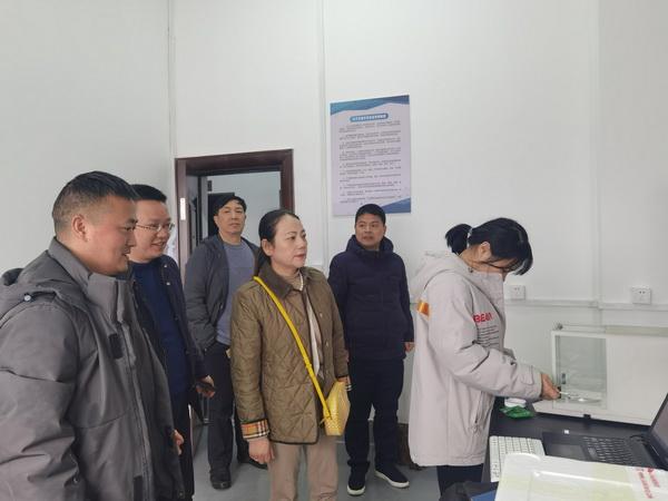 省农业农村厅科教处来棉科所检查指导工作